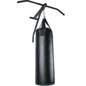 Klimmzugstangen mit Boxsack